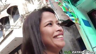 A kinky tourist persuades hot Thai chick to make a sex video with him